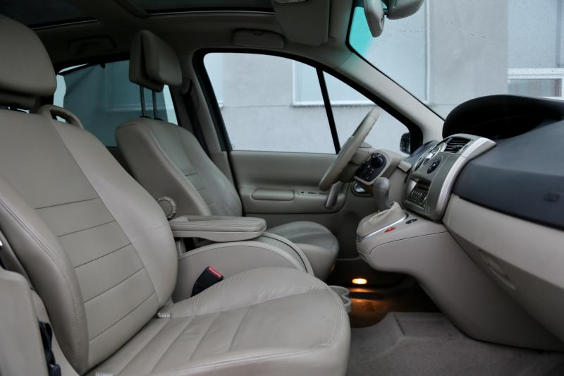 Renault - SCENIC - pic10