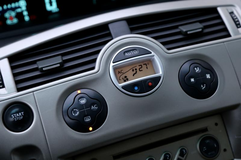 Renault - SCENIC - pic16