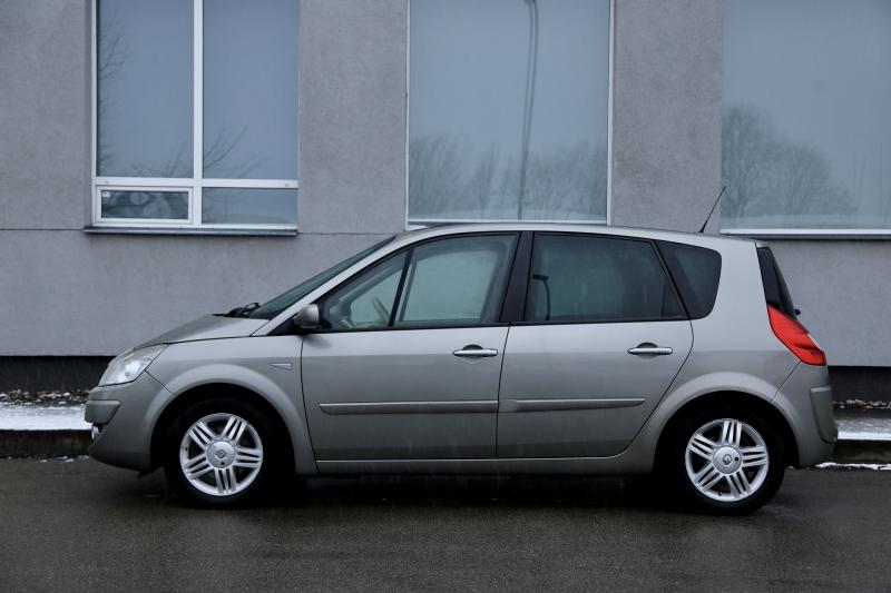 Renault - SCENIC - pic2