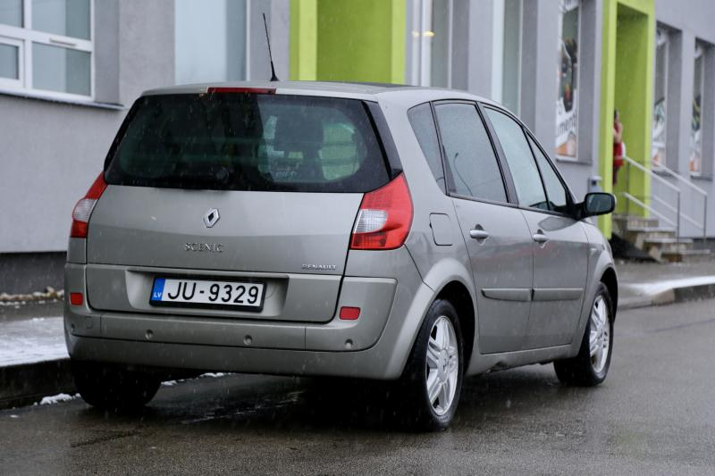 Renault - SCENIC - pic6